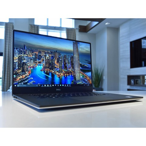 DELL XPS 15 9560 / Like New /